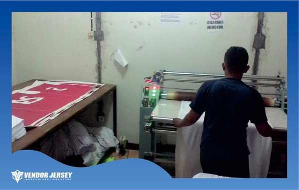 proses sublimasi atau transfer papper dari kertas ke kain
