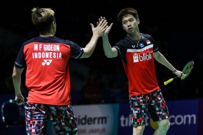 Badminton = nama pungung tanpa nomor